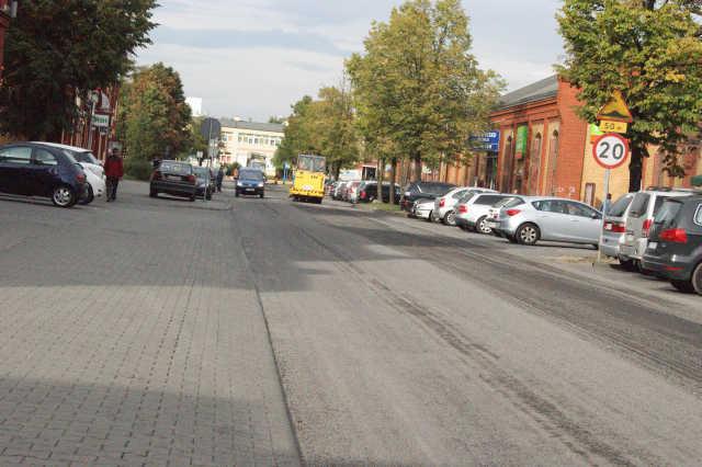LUBIN: Utrudnienia w ruchu drogowym na ul. Armii Krajowej.