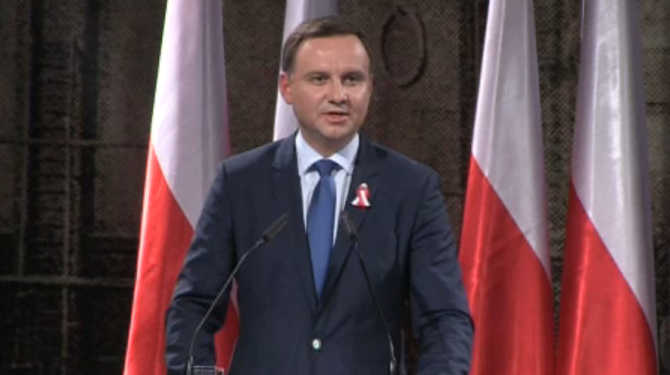Andrzej Duda zwyci�a w wyborach