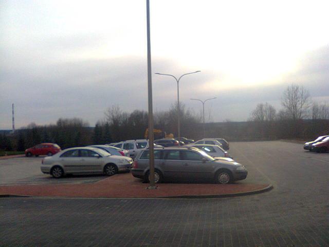 Zako�czono budow� parkingu przy ul. Orzeszkowej