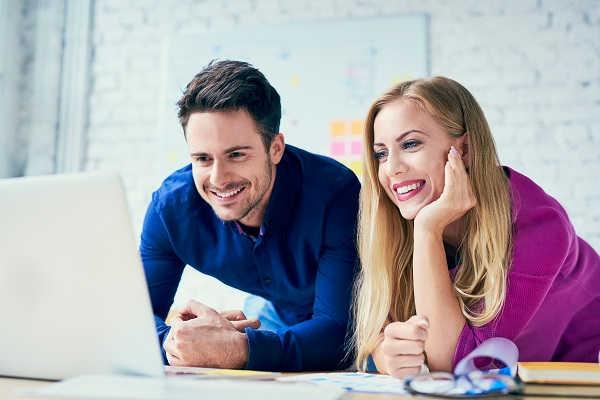 6 korzyści niefinansowych z pracy