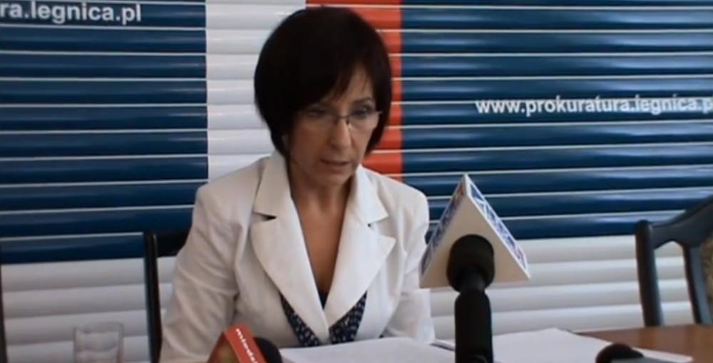 Akt oskarżenia w sprawie upadku ciężarnej kobiety z mostu
