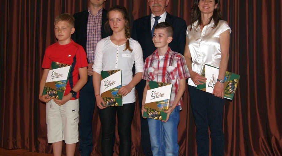 Wr�czono stypendia i nagrody sportowe Gminy Lubin